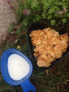 En kåsa kall mjölk och en massa pannkaksbilar, hjärtan, motorcyklar, hästar m,m, Ätgaranti!