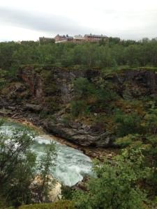 Turiststatonen ligger alldeles intill Abiskojokkens canyon.